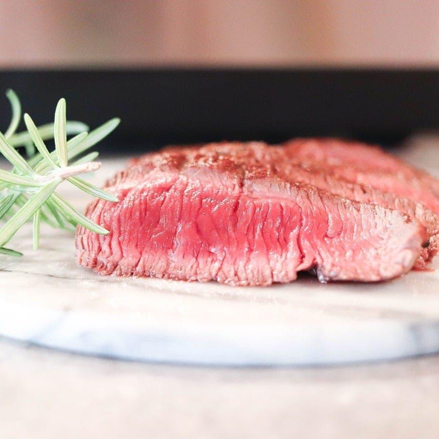 Aufgeschnittenes Steak als Produktfoto Beispiel